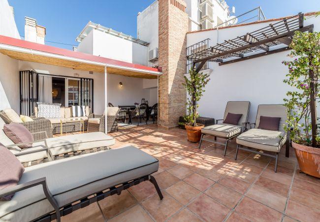 Apartahotel en Valencia - Atico con terraza privada.