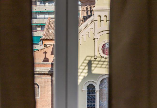 Aparthotel in Valencia / València - Atico con terraza privada.